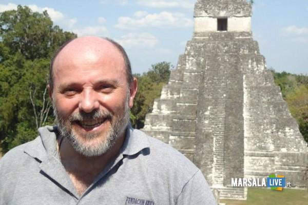 1399010196-1-la-settimana-santa-di-don-enzo-amato-da-marsala-al-guatemala-con-il-popolo-maya
