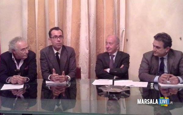 Ettore Paladino (funzionario Aimeri), Francesco Maltoni (amministratore delegato dell'Azienda), il sindaco Alberto Di Girolamo e il suo vice Agostino Licari
