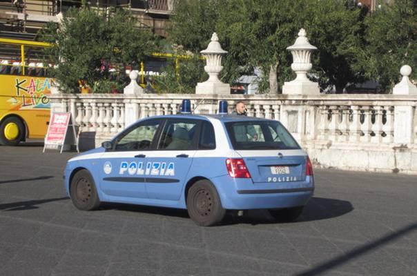 ruba moto polizia