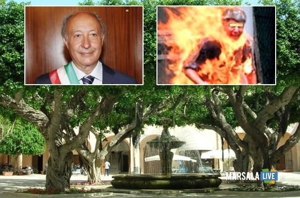 uomo a fuoco a marsala sindaco