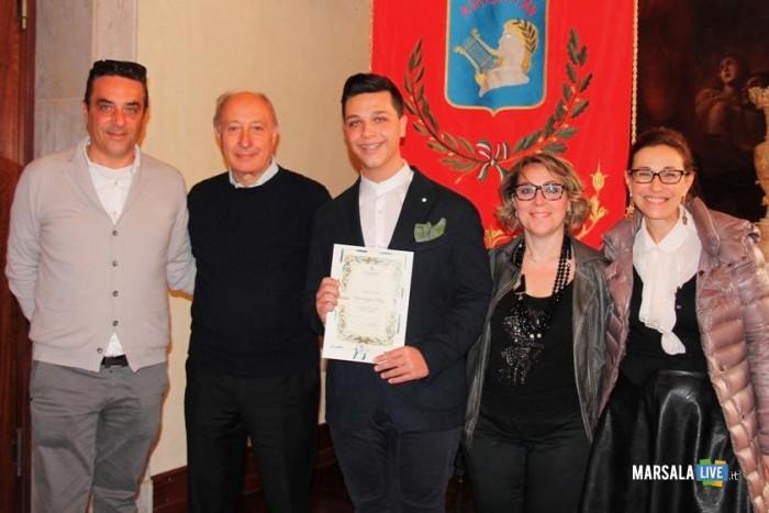 Giuseppe Colla premiato dal Sindaco marsalalive