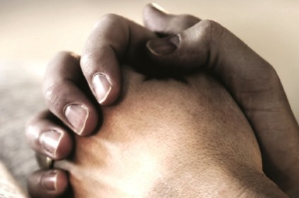 mani-congiunte-pregano marsalalive