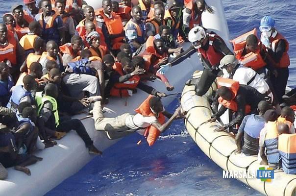 gommone-immigrati-canale-sicilia
