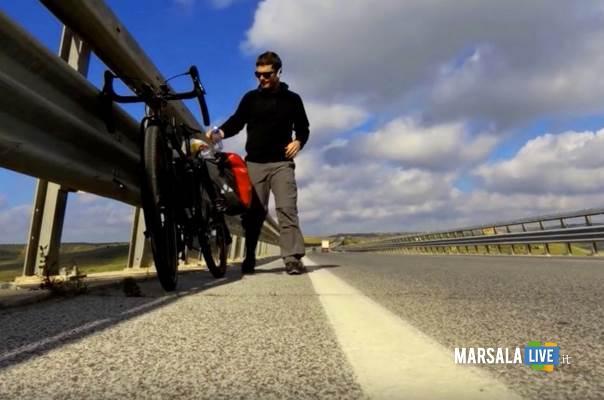 Giovanni-Guarneri-giro-della-Sicilia-in-bici
