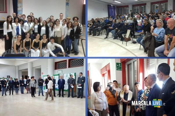 Marsala-Liceo-Ruggieri-il-silenzio-è-dolo-Roberto-Mancini-1