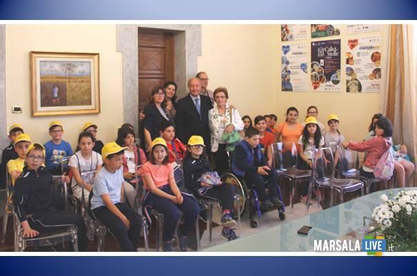 Marsala-scuola-elementare-contrada-Bosco-Manzo-Zerilli-La-Fata-Di-Natale
