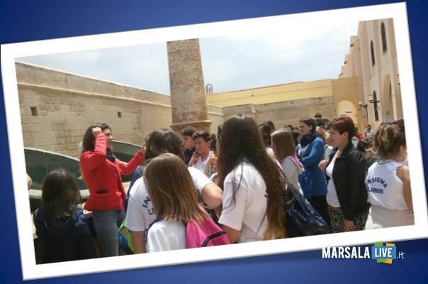 Progetto-Erasmus-studenti-in-visita-ex-Stabilimento-Florio-favignana
