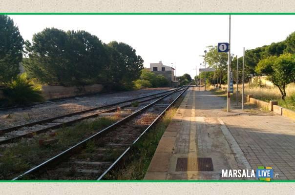 ferrovie-marsala-petrosino-treno-disagipassaggio-a-livello