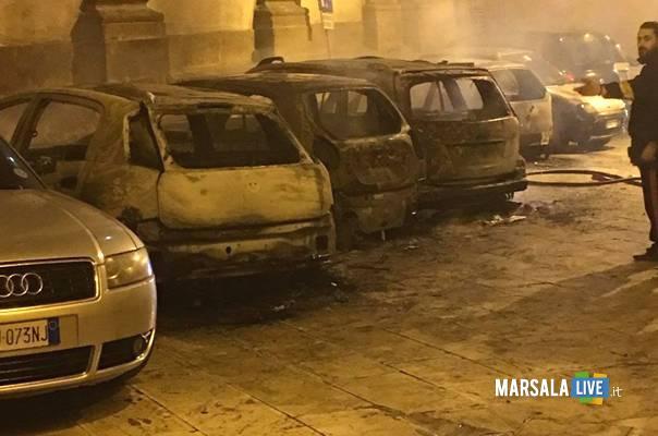 incendio-automobili-via-rapisardi-marsala
