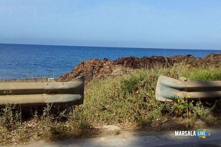 Alghe-ammucchiate-spiagge-libere-di-Marsala