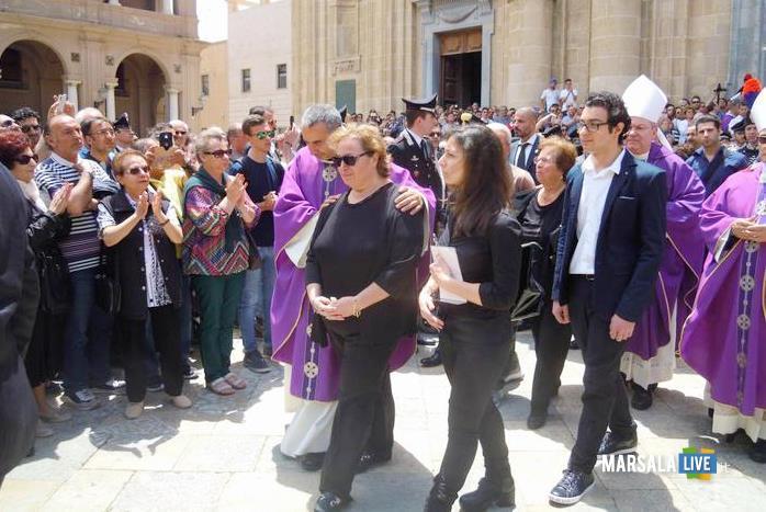 Carabiniere-ucciso-Marsala-folla-per-funerali