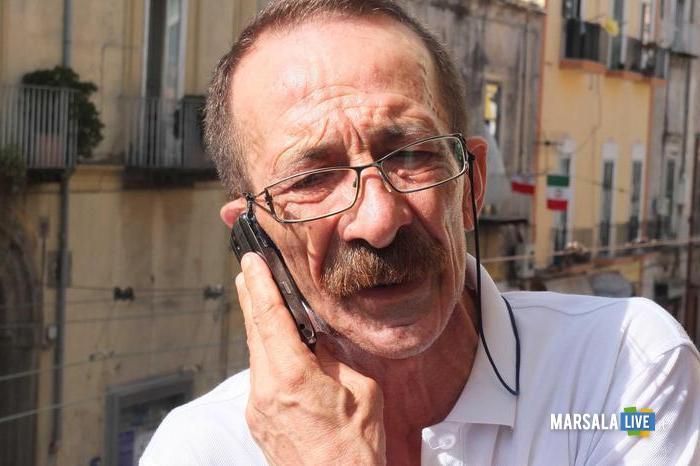 Pino Maniaci, il direttore di TeleJato la tv siciliana antimafia oggi, 25 Giugno 2012, a Radio Siani, la radio di Ercolano che trasmette in un appartamento confiscato alla camorra, nell ambito del festival dell' impegno civile. ANSA/CESARE ABBATE/