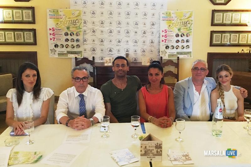 conferenza-stampa-Amici-tour-sicilia