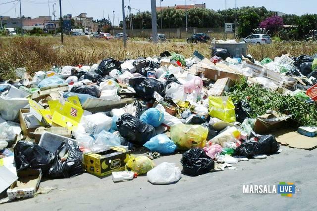 rifiuti-per-strada-immondizia