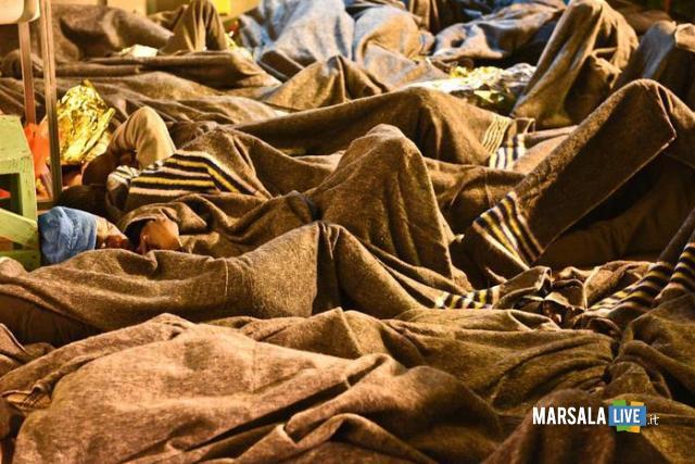 Migranti: 22 cadaveri a bordo nave Msf Acquarius