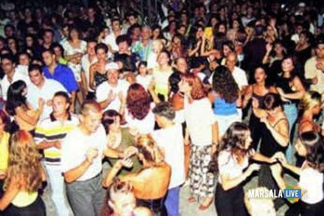 musica-ragazzi-ballo-piazza-marsala