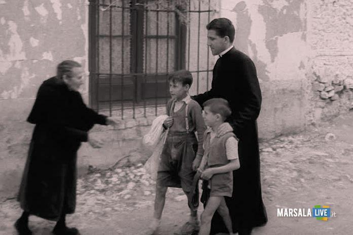 sacerdote-prete-ragazzino