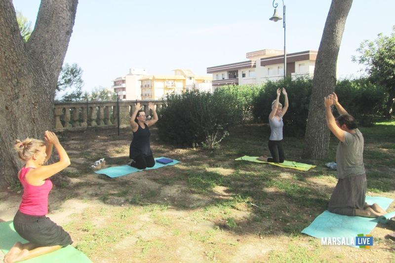 Yoga-a-Villa-Cavallotti-marsala (2)