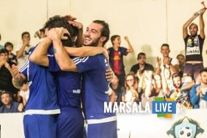 marsala-futsal-2012-festeggiamenti-pellegrino