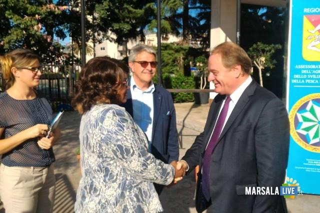 lassessore-regionale-cracolici-saluta-il-ministro-chonco