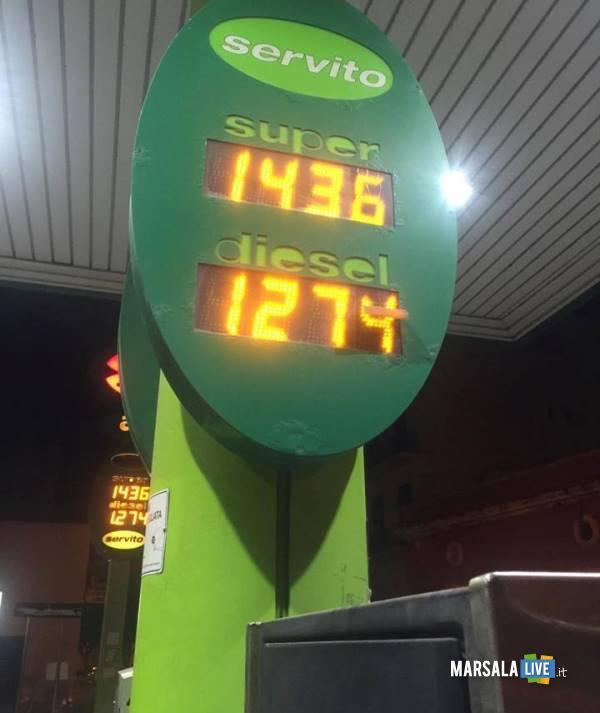 marsala-fabrizio-prezzi-esposti-distributore-di-carburante