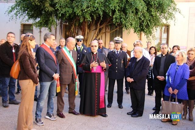 visita-vescovo-al-comune-marsala-mogavero