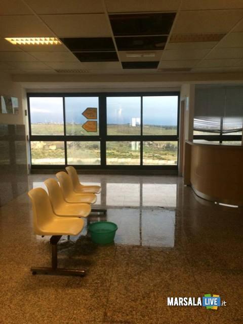 Piove-dentro-l-ospedale-Paolo-Borsellino-di-Marsala (1)