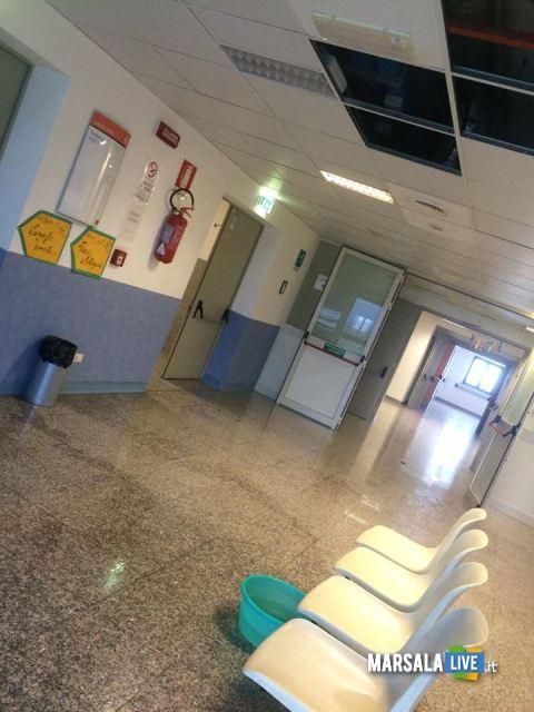 Piove-dentro-l-ospedale-Paolo-Borsellino-di-Marsala (2)