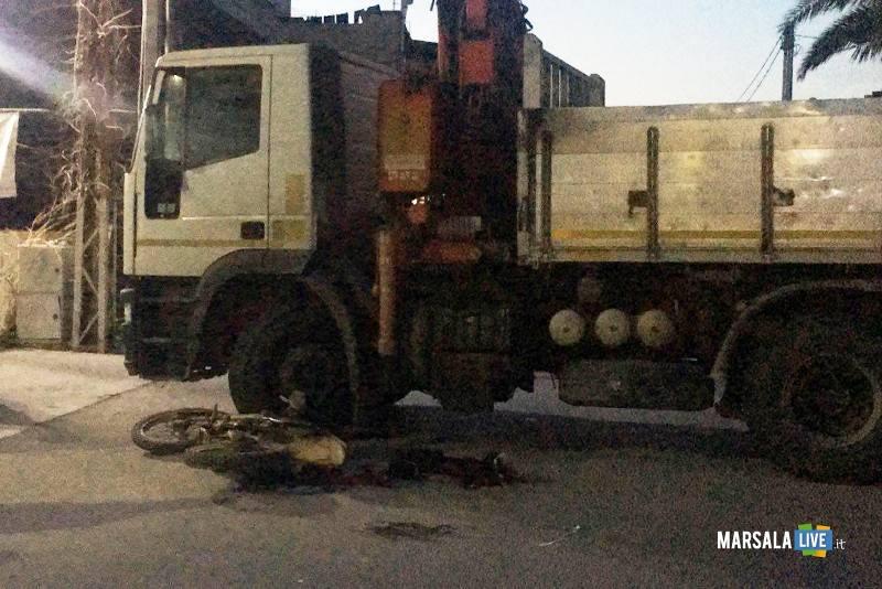 incidente-strasatti-marsala-moto-camion-mille-stelle-ss-115 (2)