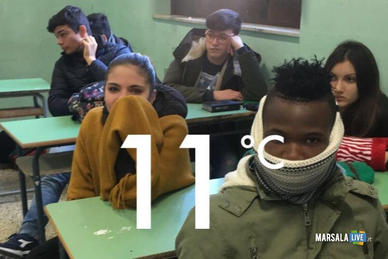 protesta-degli-alunni-dell-Istituto-Abele-Damiani-di-Marsala (3)