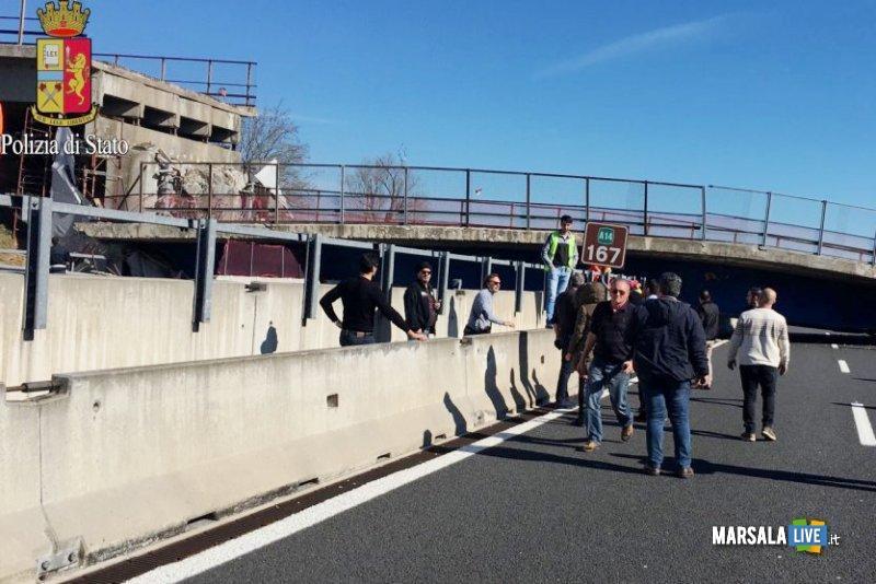Crollo-cavalcavia-autostrada-A14-Camerano-Ancona (4)