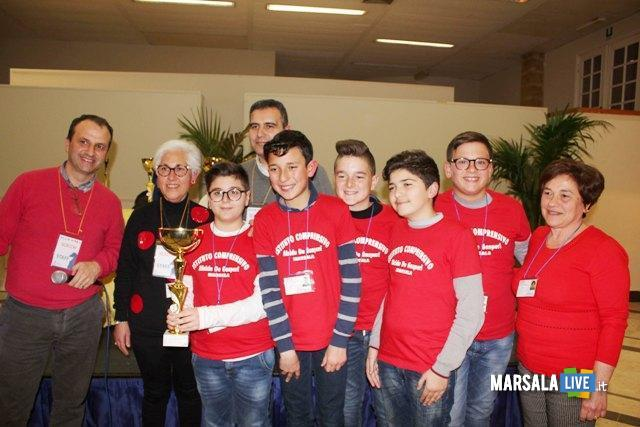 I ragazzi dell'Alcide De Gasperi, primi classificati categoria cadetti