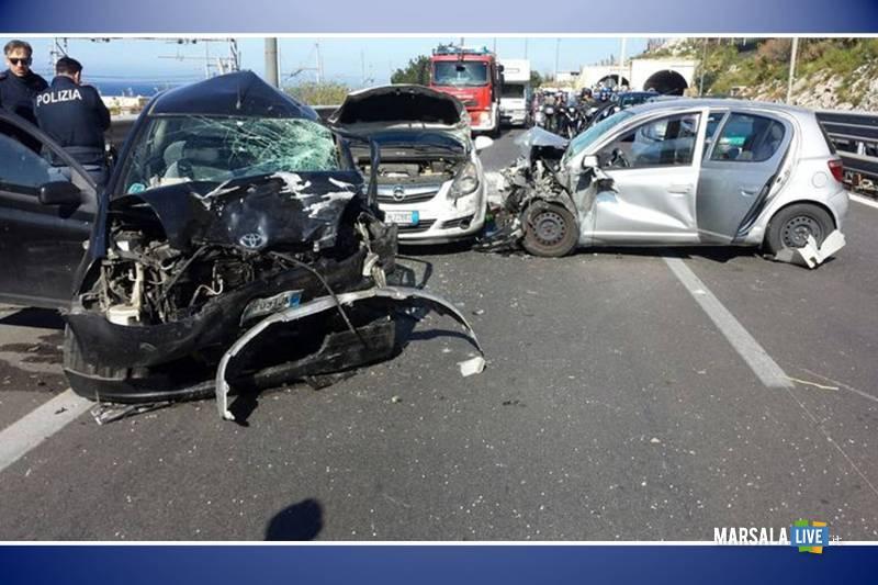 Incidente-sulla-Palermo-Mazara-a29-tra-Capaci-e-Carini