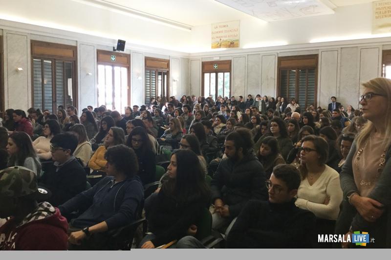 Incontro-con-autore-Abele-Damiani-Marsala-Lacrime-di-sale-Bartolo-Tilotta (1)