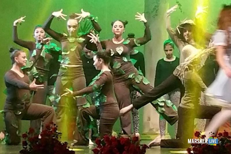 Marsala-Alice-nel Paese-delle-Meraviglie-The-Peter-Pan-Group-Teatro-Impero (10)