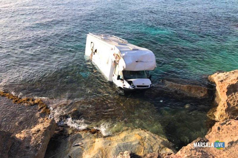 San Vito Lo Capo, camper travolge e uccide un turista: dimenticato