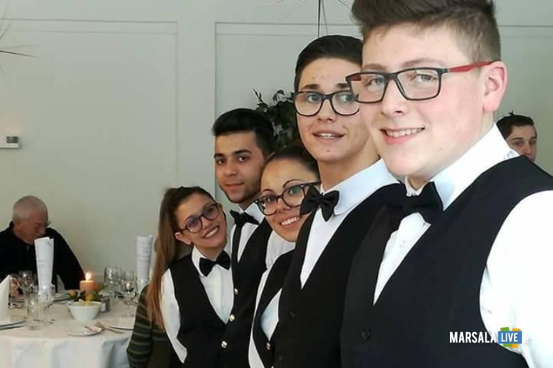 alunni ristorante didattico-alberghiero-erice