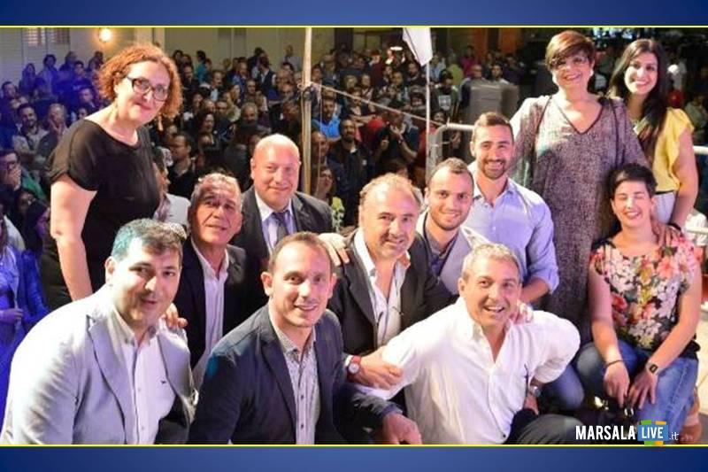 VINCENZO- D'ALBERTI-INCONTRA-LA-CITTADINANZA-PETROSINO-