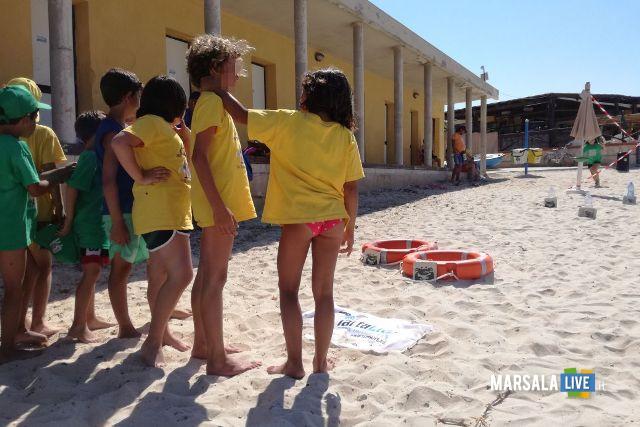 tartaruga diventa simbolo dell'installazione Plastic alle Egadi (4)