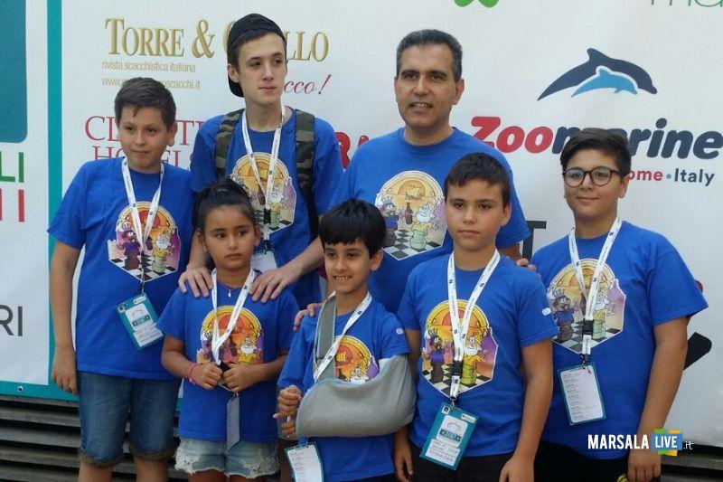 I nostri ragazzi con il Presidente dott. Carlo Pipitone