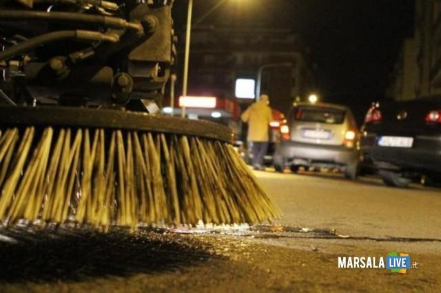 Pulizia notturna delle strade