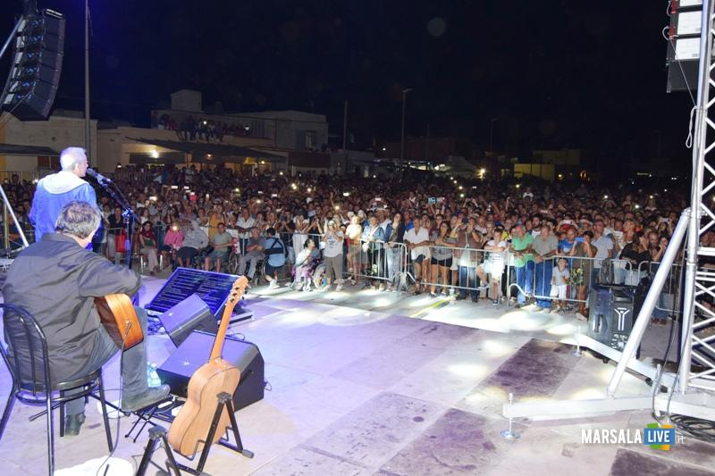 Roberto-vecchioni-a-petrosino-piazza-biscione-2017 (3)