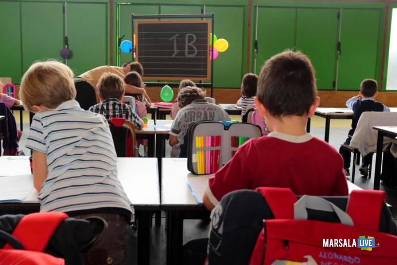 Scuola insegnante assunta a 69 anni una vita precariato