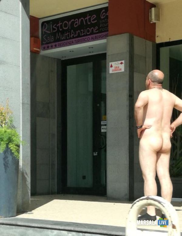 uomo-nudo-enna