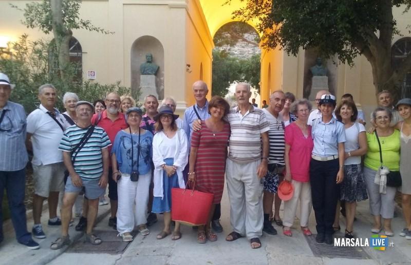 A Favignana una delegazione di 32 isolani naturalizzati francesi ...