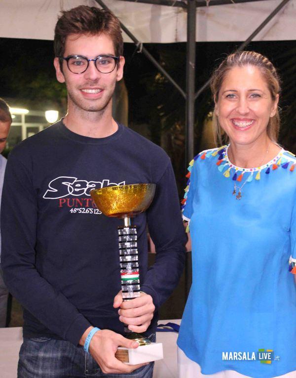 Il Campione Lilybetano Giampaolo Calòamia premiato da Laura De Vita