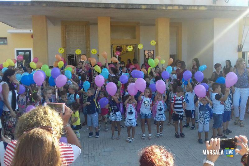 Maestra cambiata 8 volte in 4 anni: una quinta sta fuori da scuola per protesta