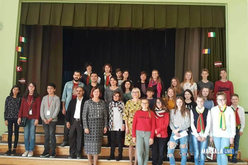 Lettonia scuola mazzini marsala