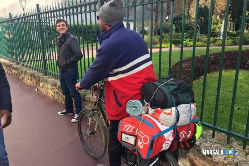 Vito Cusenza Marsala Parigi Manchester in bicicletta (2)