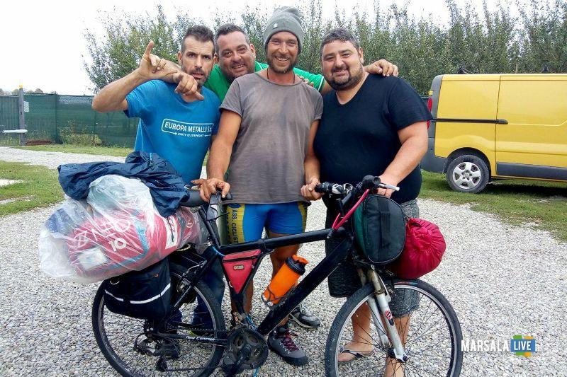 Vito Cusenza Marsala Parigi Manchester in bicicletta
